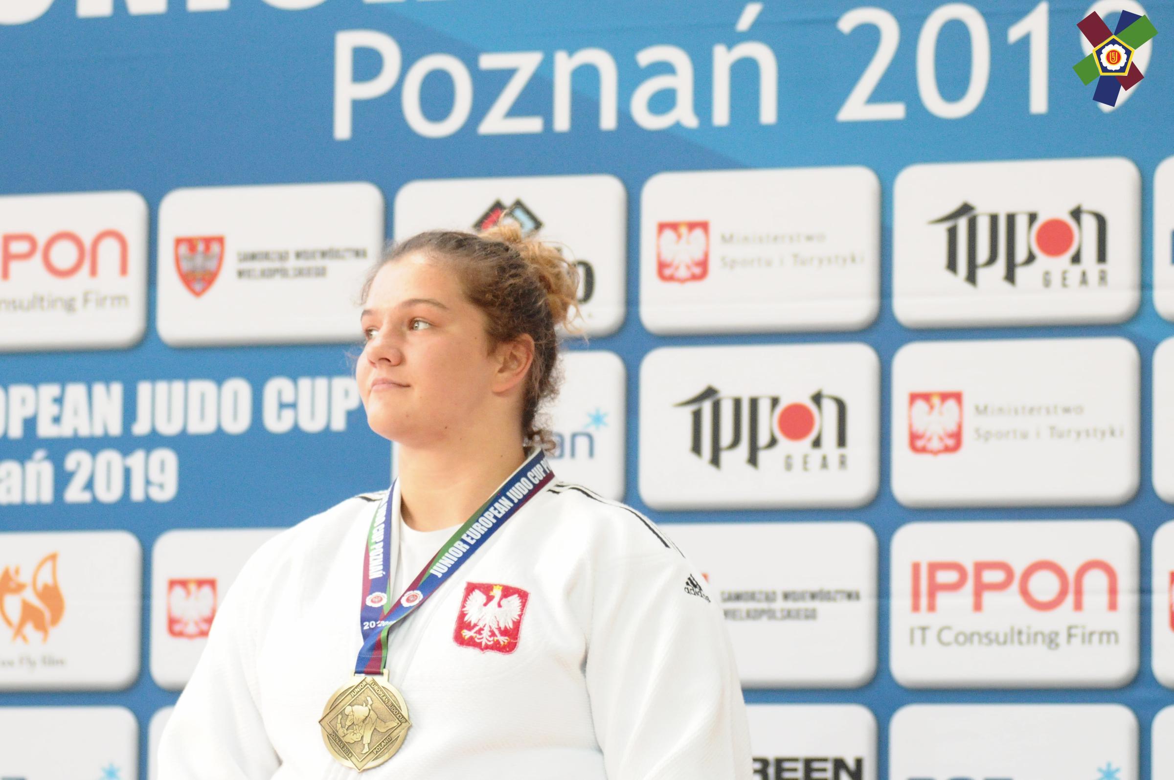 Kinga Wolszczak